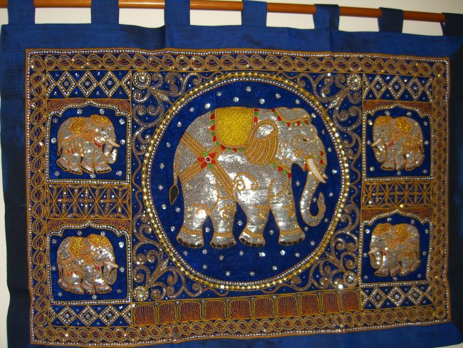 Le1031 Elephants Family Large Blue Kalaga