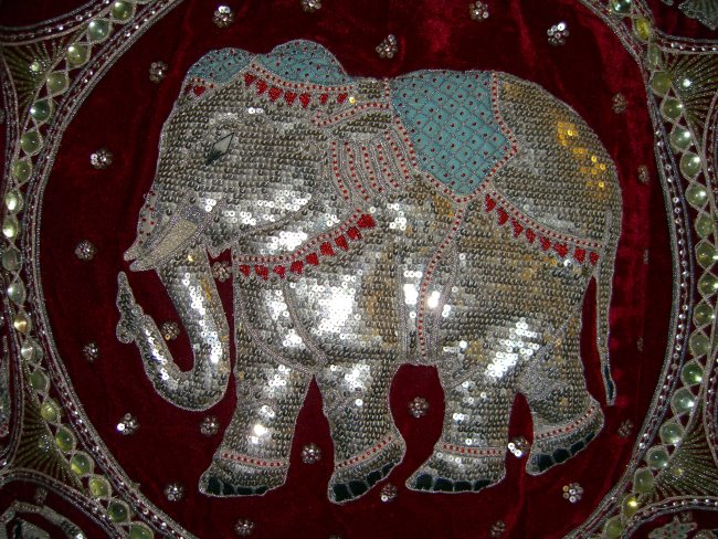 Sqy1055 Silver Elephant With Blue Blanket Zodiac Red